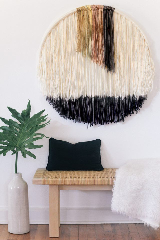 Easy To Make Hanging Wall Art Using Dip Dye Yarn Hanging Wall Art Yarn Wall Art Wall Hanging Diy Projects
