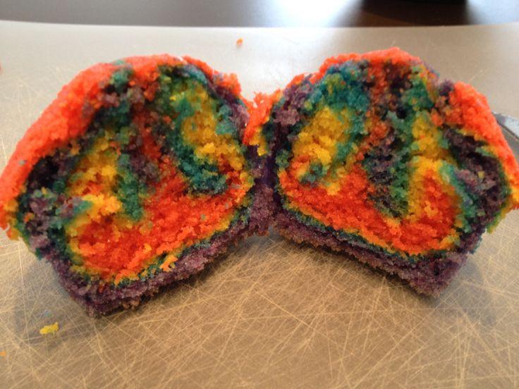 Plain Rainbow cupcakes - Vanilla flavor