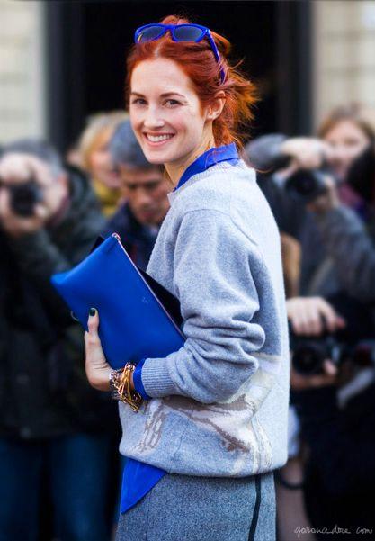 Taylor Tomasi Hill, blue sweater, blue clutch, blue sunglasses, blue button down, bracelets / Garance Doré