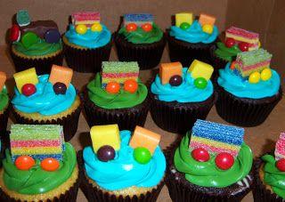 Easy+Thomas+the+Train+Cupcakes | ... Cupcakes Dallas | Wedding, Baby Shower, Birthday: Candy Train CupCakes