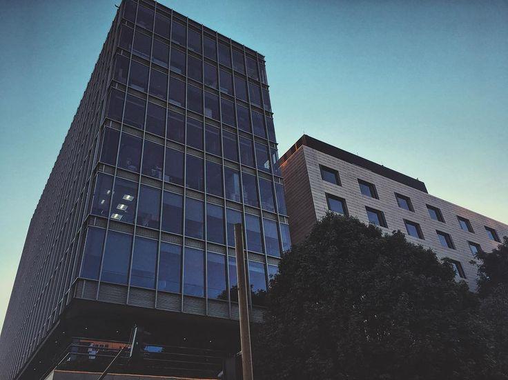 High levels. #life #building #high #windows #urban #sky #sunny #bogota #structure #botd #bestoftheday #vsco #vscocam #shotoniphone