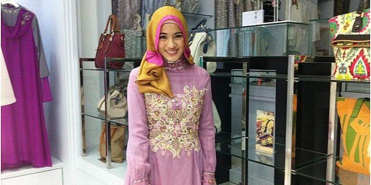 Pengalaman Pertama Alyssa Soebandono Sangat Berkesan «  Shafira - Gaya Islami   Trend Busana Muslim Modern, Busana Muslimah terkini, Sarimbi...