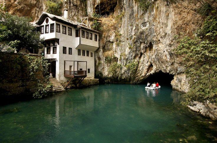 Замок Благай на источнике Буна, Босния и Герцеговина