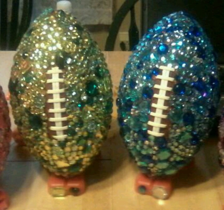 Presents to the senior football cheerleaders! :) we should soooo do this this for basketball ones!