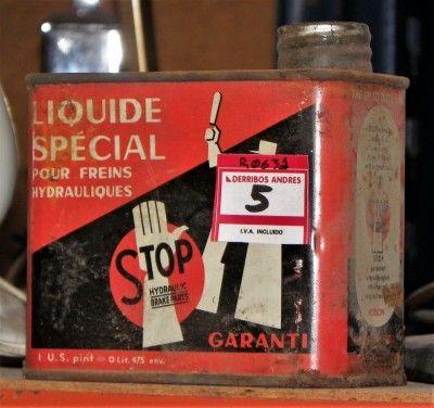 Latas Antiguas De Líquido De Frenos  ------  Antiguas latas de líquido de frenos, de pequeño tamaño. Se venden llenas. ------  Ref: R0631  ------  Realizamos envíos  ------  Comparte en tu red social   ------  P.V.P 5€