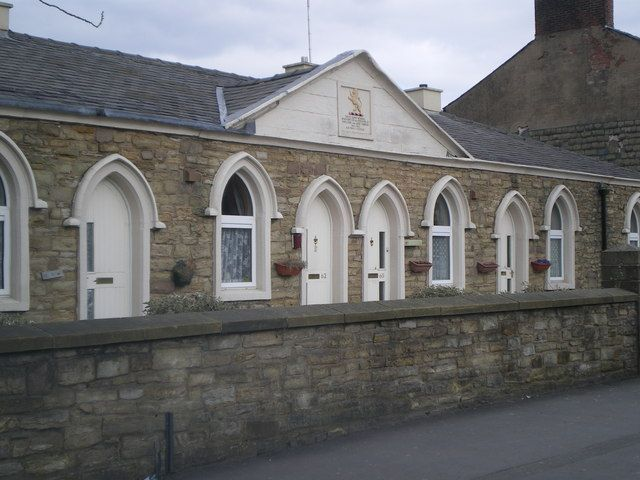 File:Turner's Almshouses, Blackburn.jpg