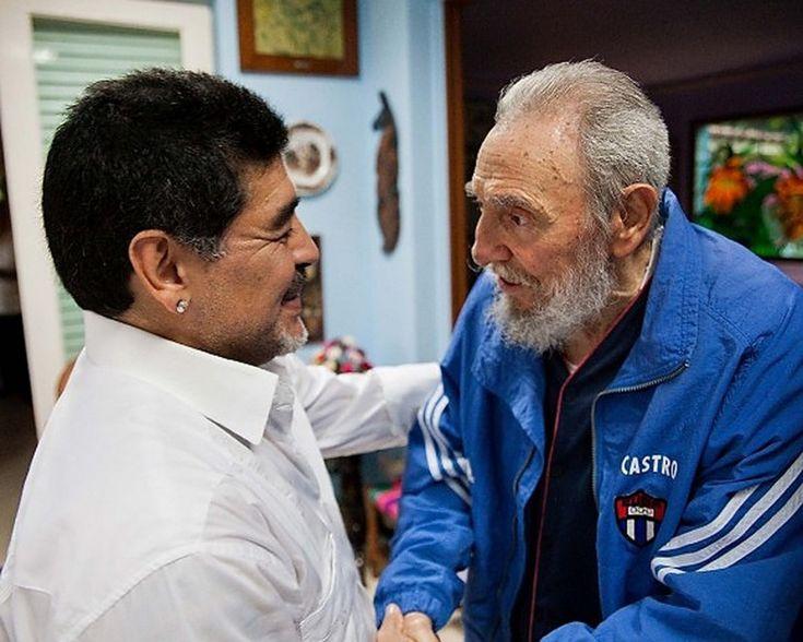 """""""Un animato e utile incontro tra due vecchi amici"""": così il giornale ufficiale del partito comunista cubano """"Granma"""" ha definito la visita dell'ex Pibe de oro, Diego Armando Maradona, a Fidel Castro."""