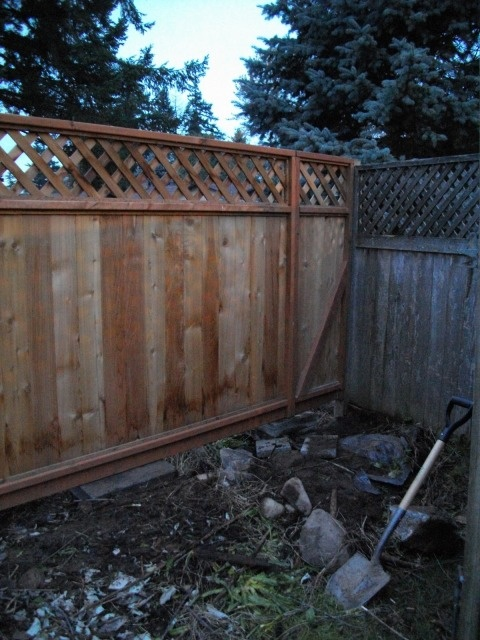 how to fill an awkward gap in your fence line fence gap. Black Bedroom Furniture Sets. Home Design Ideas