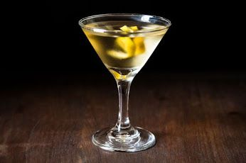 10 Drinks to Sip on While You Watch the Oscars...   #cocktails