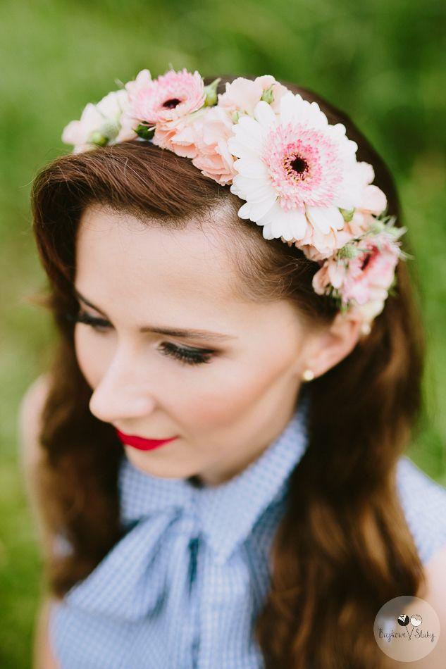 INNA Studio_ floral crowns / wianek nieregularny / gerbera / pastelowy róż / dziewczęcy / fot. Bajkowe Śluby