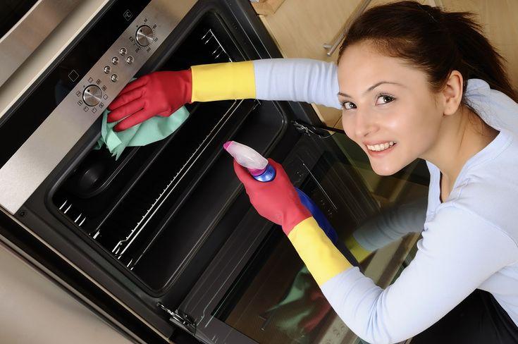 Trei idei eficiente de curățare a casei cu bicarbonat de sodiu