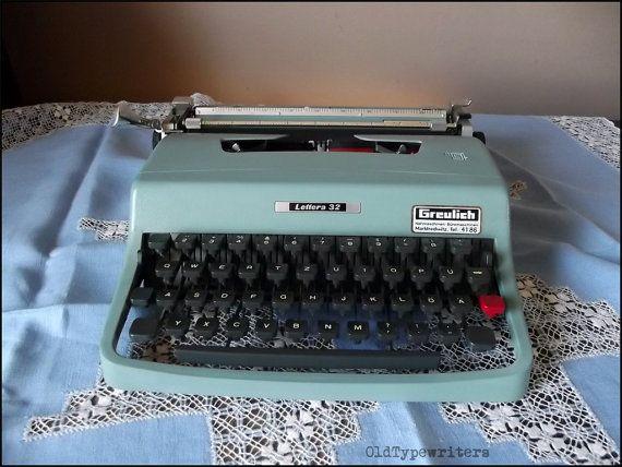 Vintage Working Manual Typewriter Olivetti by OldTypewriters