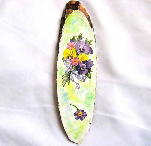 #Buchet #flori #mov, #violet si #galben pe #trunchi de #copac, #tablou pe #lemn. Produs #lucrat #manual categoria #decoratiuni #casa si #gradina. Articol #design model #floral, buchet flori mov, violet si galben cu #funda de #culoare mov cu #patratele #albe. http://handmade.luxdesign28.ro/produs/buchet-flori-mov-violet-si-galben-pe-trunchi-de-copac-tablou-pe-lemn-29669/
