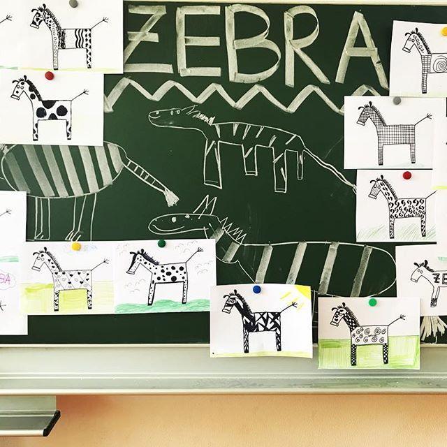• a n d e r s s e i n • ️ . . . Letzte Woche konnte ich den Kunstraum nicht nutzen und habe daher eine Kunststunde im Klassenzimmer für meine dritte/vierte Klasse vorbereitet  Zum Einstieg haben wir den Trickfilm #zebra auf youtube angeschaut  Darin geht es um ein Zebra, das gegen einen Baum läuft es dann plötzlich sein Fellmuster ändert  Das Zebra hüpft dann wie wild herum und versucht wieder seine Streifen zu bekommen. Am Ende des 3 Minuten Clips kommen andere Zebras, die mit...