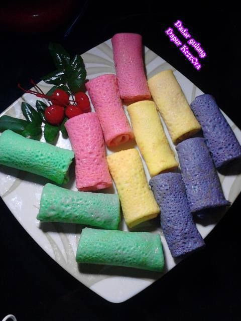 Dadar gulung modif warna by 'KezzOra 'XnarimlmQ' ~ Kuliner Nusantara