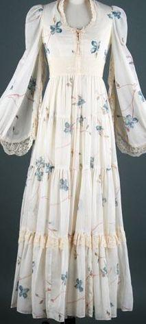 Vintage Gunne sax  Bell Sleeve dress Victorian corset Prairie dress