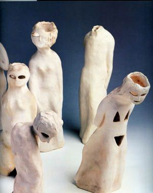 "Füreya Koral, ""Walking people B"", terracota, 24x37  cm,1990 (Erdinç Bakla archive)"