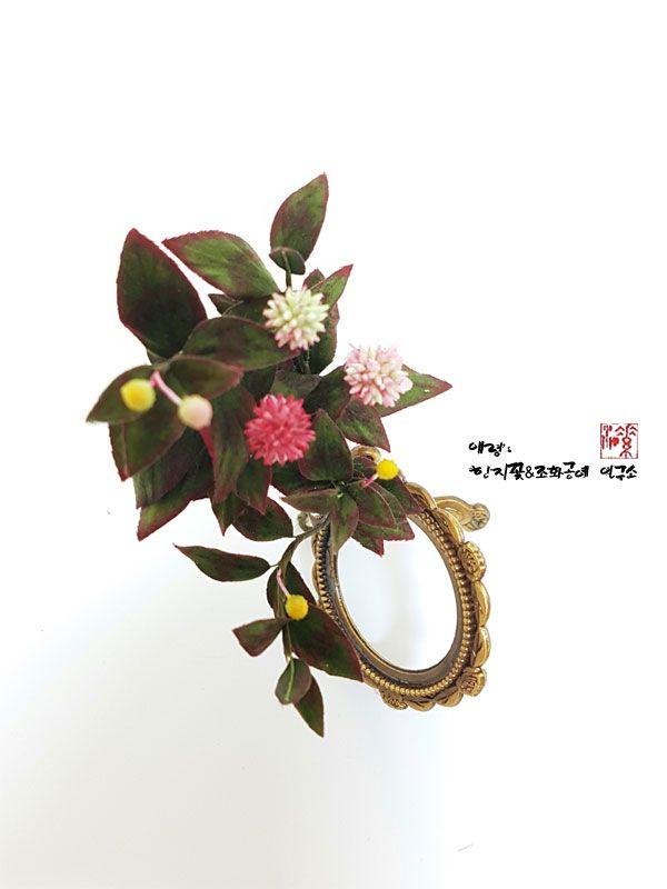 조화공예(아트플라워) 범부채 꽃 Ampelygonum umbellatum of artflowers crafted                   http://blog.naver.com/koreapaperart             #조화공예 #종이꽃 #페이퍼플라워 #한지꽃 #아트플라워 #조화 #조화인테리어 #인테리어조화 #인테리어소품 #주문제작 #수강문의 #광고소품 #촬영소품 #디스플레이 #artflower #koreanpaperart #hanjiflower #paperflowers #craft #paperart #handmade #개모밀 #갯모밀 #ampelygonumumbellatum