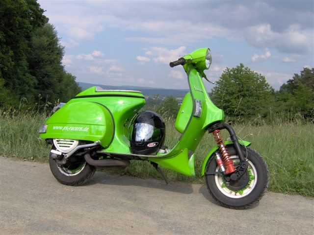 German street racers and custom scoots