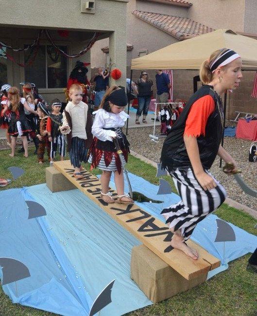 Aletas de tiburón Fiesta Pirata fiesta de por PoppysmicBowtique