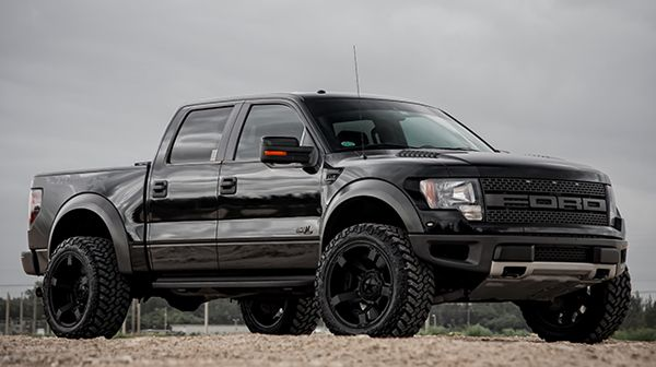 Customized Ford F150 SVT Raptor With Suspension Leveling
