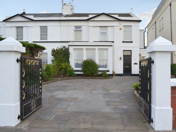 This Victorian house offers spacious and comfortable accommodation, perfect for large families or group of friends looking for a coastal escape.