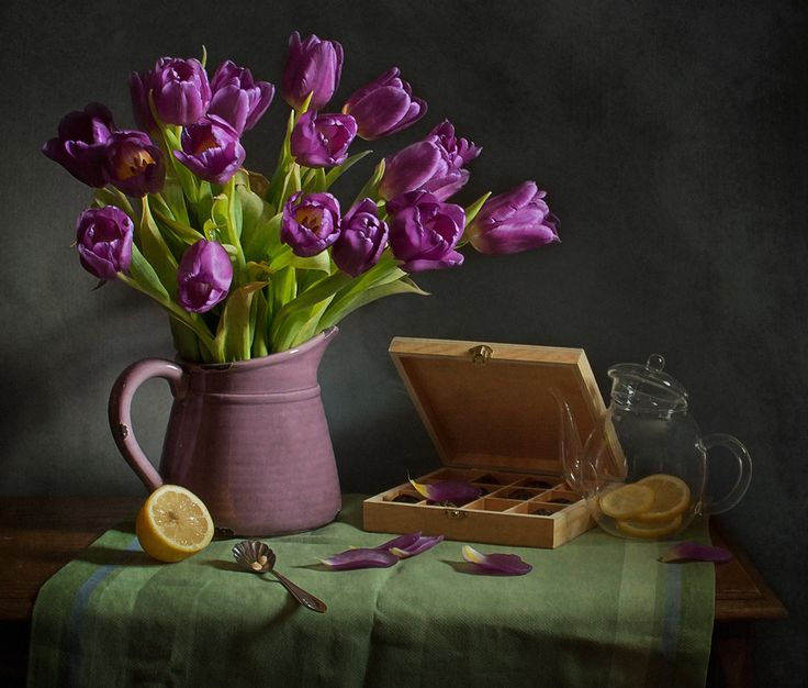 C тюльпанами