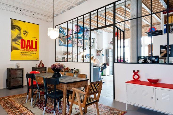 Artistieke loft met gietijzer glaswerk.  Bekijk de volledige inrichting op: http://www.interieurdesigner.be/blog/detail/artistieke-loft-in-voormalig-hotel-bordeaux