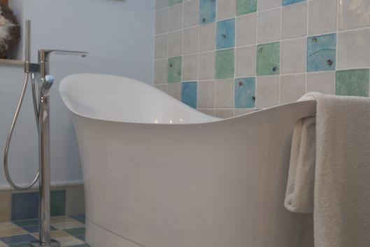 Beautifull bath.