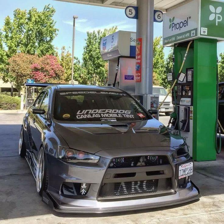 Slammed Mitsubishi Evo X