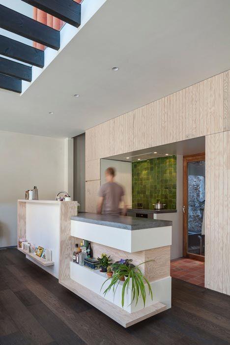 http://www.dezeen.com/2014/04/14/gewad-apartment-block-atelier-vens-vanbelle-brick-atrium-mirror/