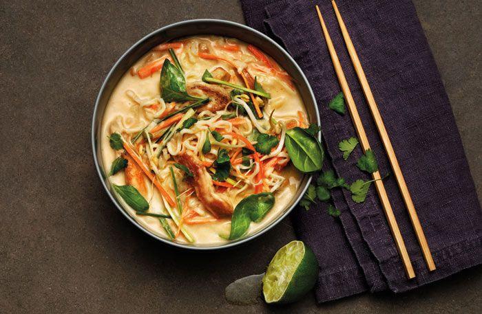 Tom Kha med kycklingfilé och grönsaker