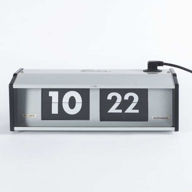 Flip clock Pragotron type IPJ0612. Delivery time is about one week.