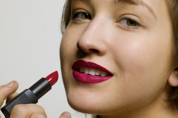 How to Remove Lipstick Stains from Cotton