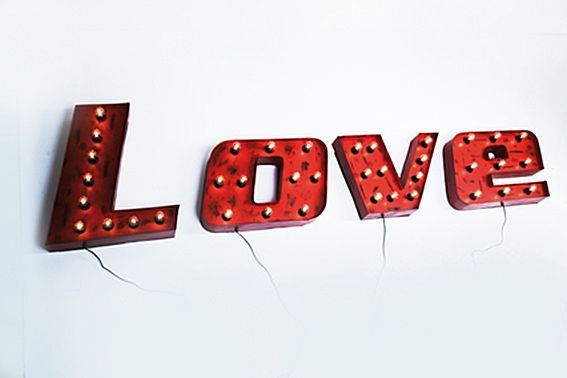 Love sign wall light | Lampen - Retro verlichting | Design meubels, Retro verlichting & cadeaushop, Space Age new vintage