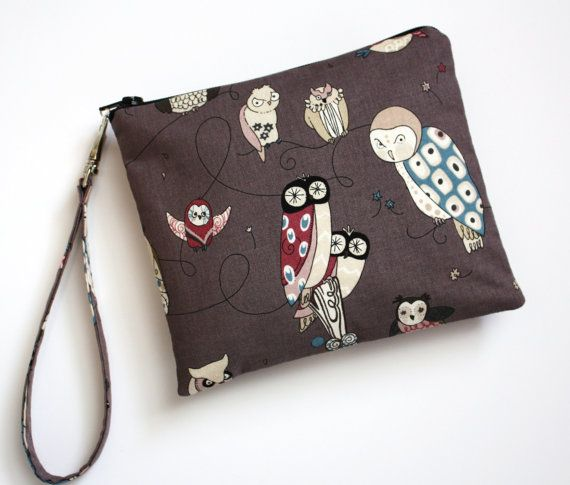 Zip and Go Owl WRISTLET by SweetPeaTotes on Etsy, $18.00