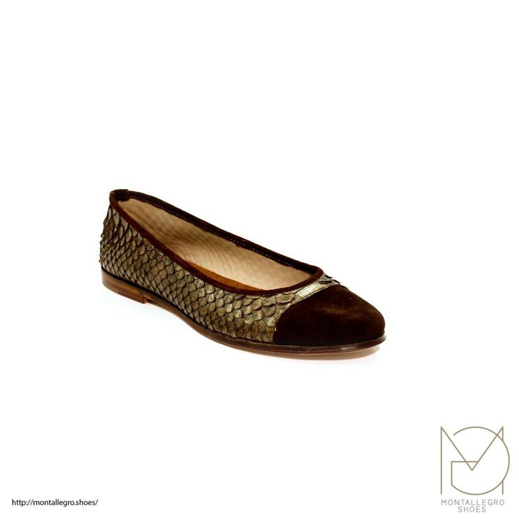 Rama - Ballerina Shoes in Snake skin and Leather Sole di MontallegroShoes su Etsy