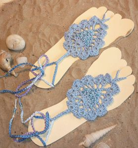 Crochet Barefoot Sandals for Summer: 10 Free Patterns ✿Teresa Restegui http://www.pinterest.com/teretegui/✿