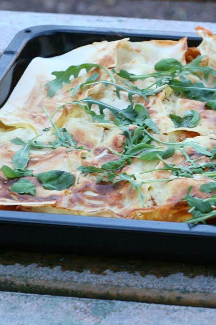 Lasagne är smart mat. Gör en stor variant i långpanna och du har massa portioner att frysa in. Här är en vegetarisk, enkel variant som ger hela 8 portioner.