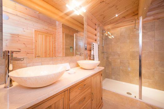 En Suite Bathrooms Rustic: 25 Best Luxury Log Cabins Images On Pinterest
