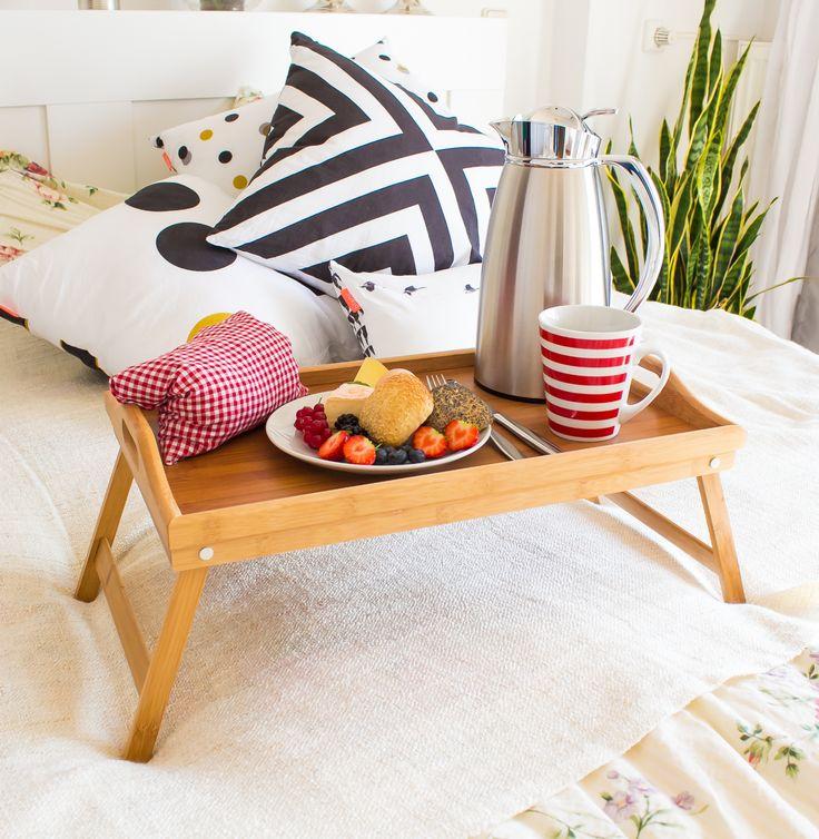 Im Bett frühstücken macht #glücklich. Probiert es doch mal aus - mit einem Betttablett aus #Bambus.