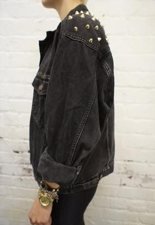 What if I took my jean jacket and folded the sleeves a little like that. Still think itll look too big? haha Women Big Size Clothes - amzn.to/2ix7dK5 Clothing, Shoes & Jewelry - Women - Plus-Size - Wa (Punk Fashion Edgy)