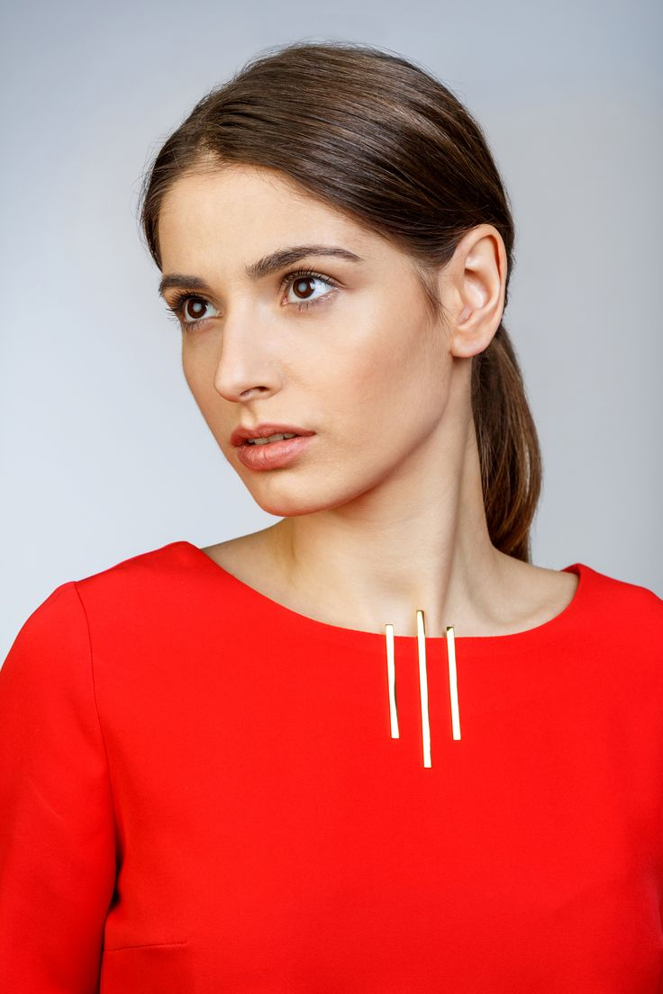Minimalist Architectural Jewelry - Leenear Pendant in 18K Gold Plated Sterling Silver by MOPHT Studio