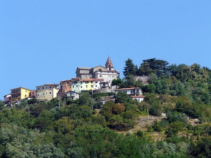 Suvero (Rocchetta di Vara)-panorama da Rocchetta - Suvero - Wikipedia