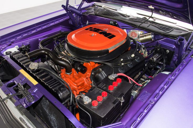 Db F on Dodge Hemi Crate Engine