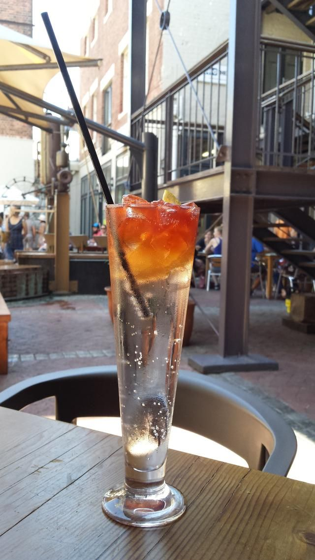 You have to try this refreshing South African drink.: Rock shandy cocktail