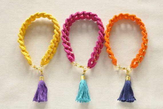 Crochet-wrapped Chain Bracelets with Tassel Charms por LoveNikita