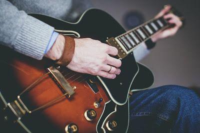 DICAS E AULAS DE VIOLÃO E GUITARRA: Curso de Violão e Guitarra - O Estudo da Escala Cr...