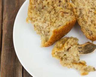 Bowl cake à la banane : http://www.fourchette-et-bikini.fr/recettes/recettes-minceur/bowl-cake-a-la-banane.html