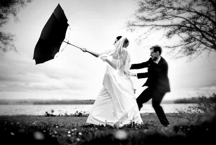 Boda lluviosa, novia dichosa pero con carpa